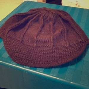 Casual Corner brown knitted pageboy hat